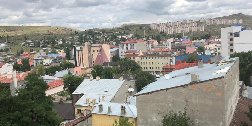 Kars'ta apart kiraları sosyal medyada gündem oldu!