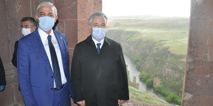 Türkiye-Ermenistan sınırındaki tarihi köprü onarılacak