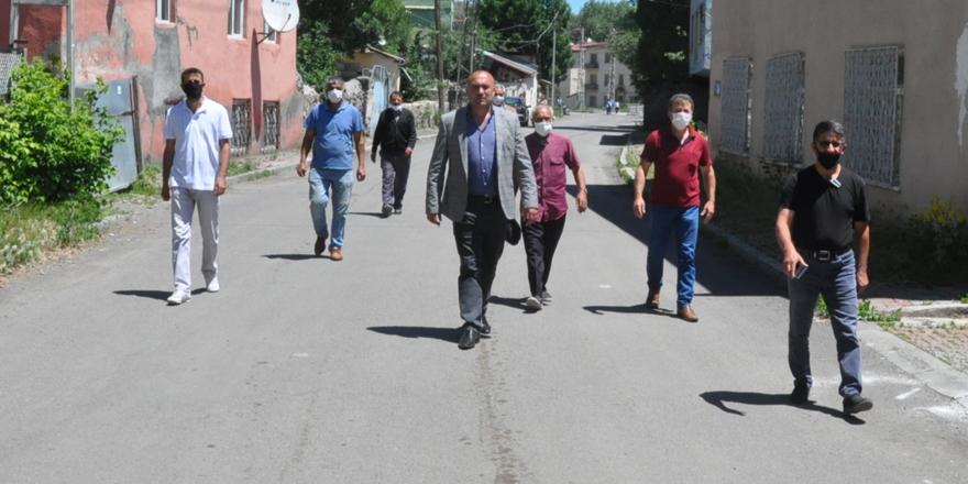 Kars'ta mahalleli sokağa döküldü