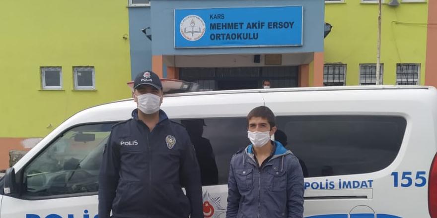 Kars'ta polis ekipleri öğrenciyi sınava yetiştirdi