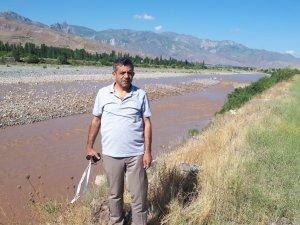 Aras Nehri çamur akmaya başladı