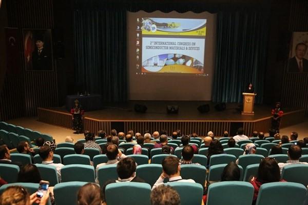 ARÜ'de 2. Uluslararası Yarı İletken Malzemeler ve Aygıtlar Kongresi