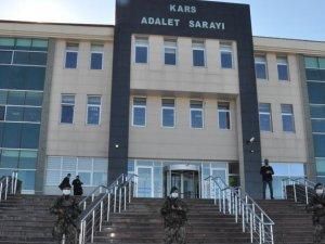 Kars'ta kendisini polis olarak tanıtıp gasp yapan 2 kişi tutuklandı