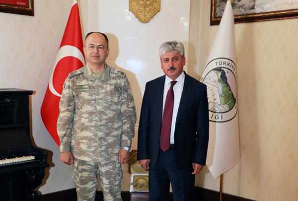 Tuğgeneral Özgür Nuhut, Vali Doğan'ı ziyaret etti