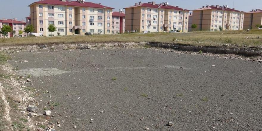 Kars'ta temeli atılan Cemile-Resul Kalko Anadolu Lisesi unutuldu