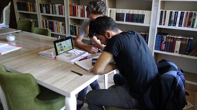 Kalem Kitap Kahve Evi, sosyal yaşama katkı sunmaya devam ediyor