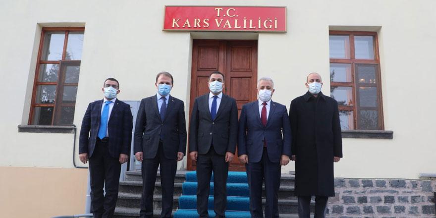 Bakan Yardımcısı Öktem ve Milletvekili Arslan, Vali Öksüz'ü ziyaret etti