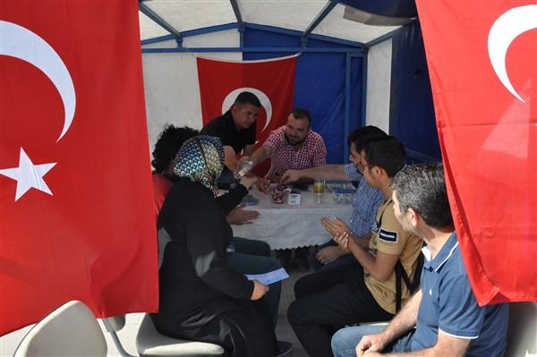 Kars'ta polis üniversite öğrencilerini bilgilendiriyor