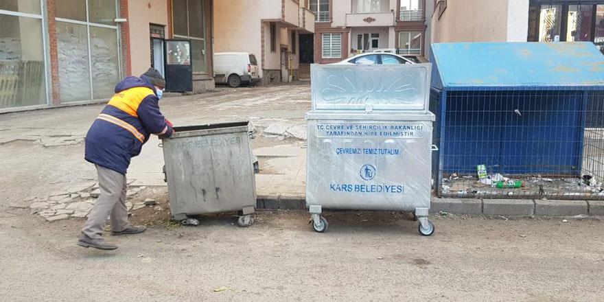 Kars'ta çöp konteynerleri yenileniyor