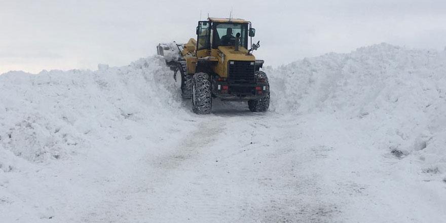 Kars'ta 57 köy yolu ulaşıma kapandı