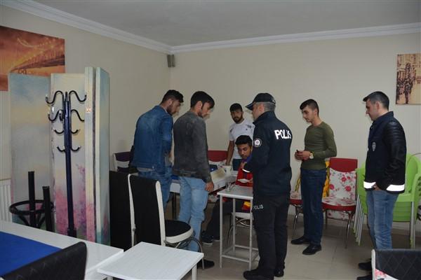 318 polisle huzur uygulaması yapıldı
