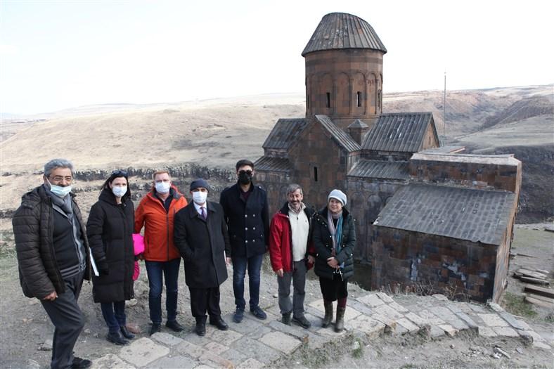 Hidalgo, Ani Arkeolojik Alanı'nı gezdi