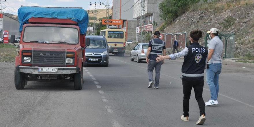 Kars'ta polisten bayram sonrası uygulama