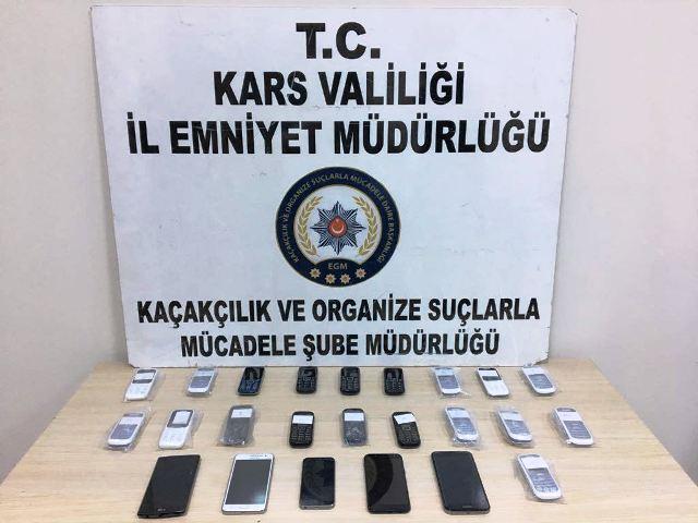 Kaçak telefonlara el konuldu
