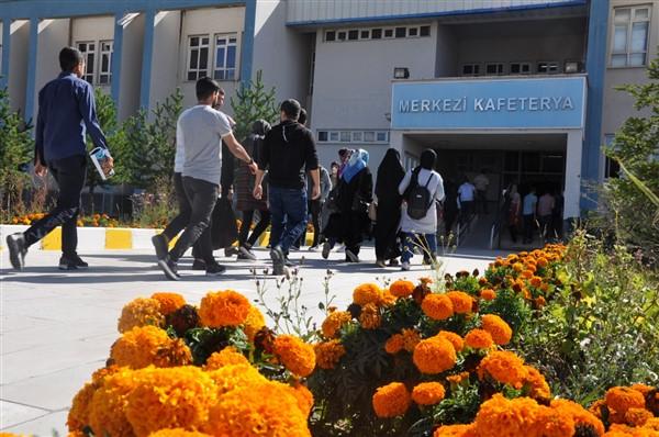Kafkas Üniversitesi'nin öğrenci sayısı 21 bin 400'e ulaştı