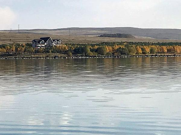 Çıldır Gölü muhteşem manzarası ile her mevsim ayrı bir güzel