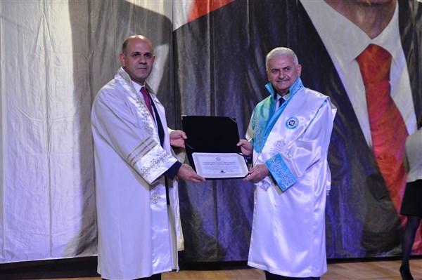 KAÜ, TBMM Başkanı Yıldırım'a fahri doktora unvanı verdi