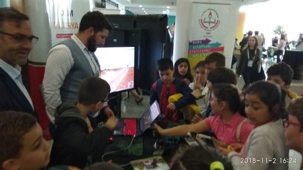 Fatih Projesi Eğitim Teknolojileri Zirvesinde Kars'ı temsil ettiler