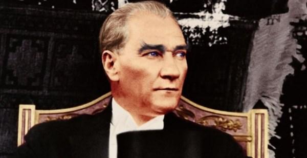 Atatürk'ü saygı ve özlem le andık