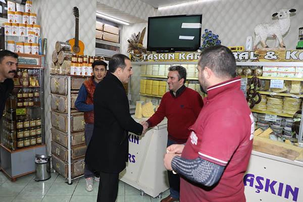Vali Türker Öksüz'ün, esnaf ziyaretleri devam ediyor