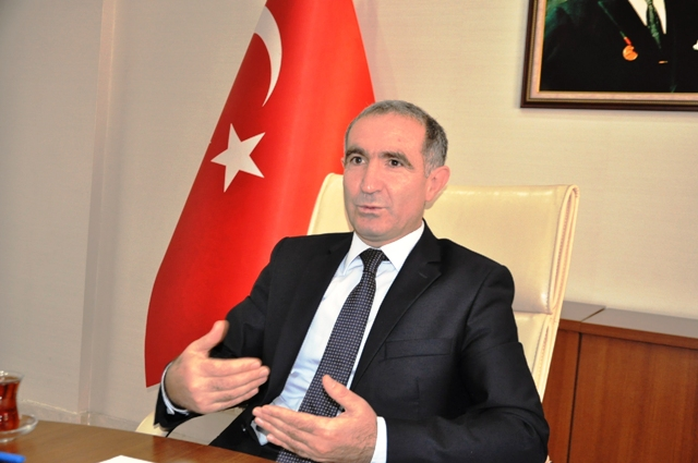 Kafkas Üniversitesi Rektörlüğüne Prof. Dr. Hüsnü Kapu atandı
