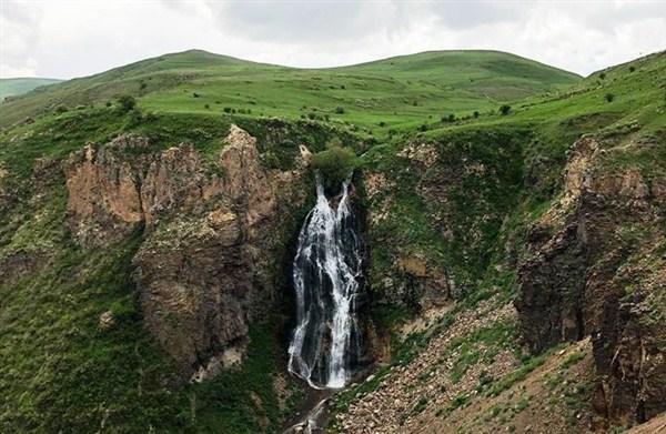 Kars'ın Susuz İlçesi'nde bulunan Susuz Şelalesi turizme kazandırılıyor.