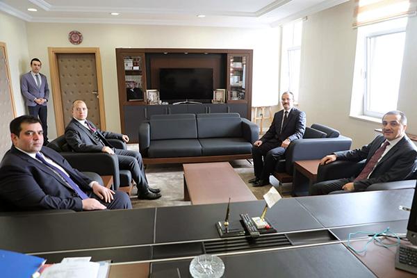 Kars Valisi Türker Öksüz'den Adliye ziyareti