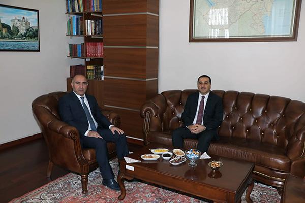Vali Öksüz'den Azerbaycan Kars Başkonsolosu Guliyev'e ziyaret