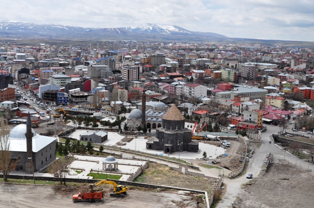 Kars'ta, 100 kişiden 7'si okuma yazma bilmiyor