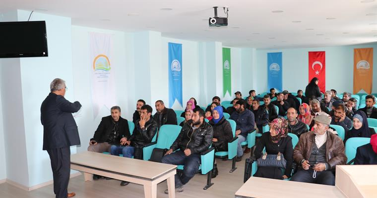 Kars'ta Genç Çiftçilere eğitim verildi