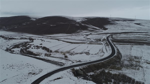 Kars Barajı alanında kalan köy yolları yapıldı