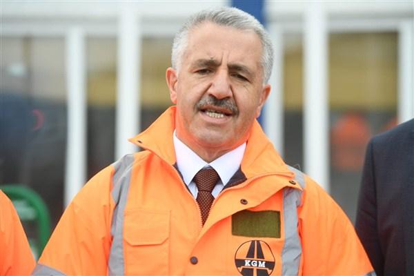 Bakan Arslan: Kars - Iğdır bölünmüş yolu 2019'da tamam
