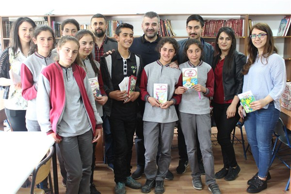 Bursa'dan Kars'a kitap köprüsü