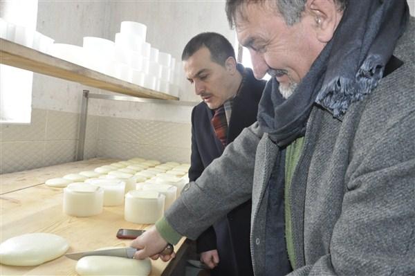 Vali Öksüz, peynirde markalaşmayı gündeminin ilk sırasına aldı