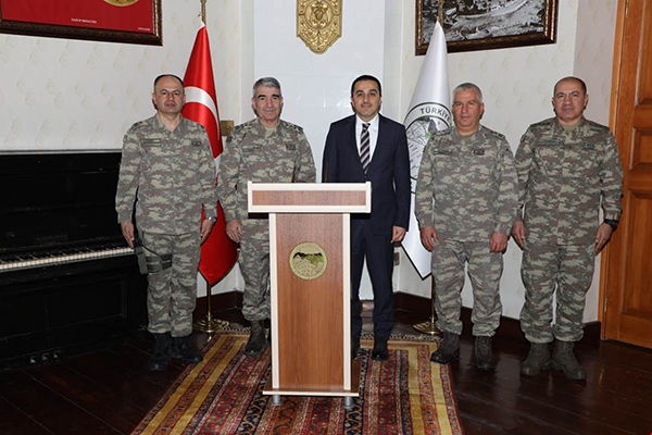 3'üncü Ordu Komutanı Orgeneral Serdar Savaş, Vali Öksüz'ü ziyaret etti