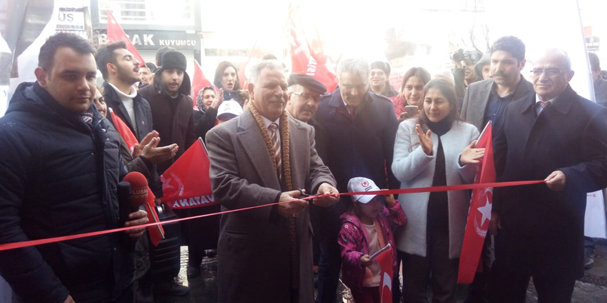 Vatan Partisi Kars'ta Seçim Koordinasyon Merkezi açtı