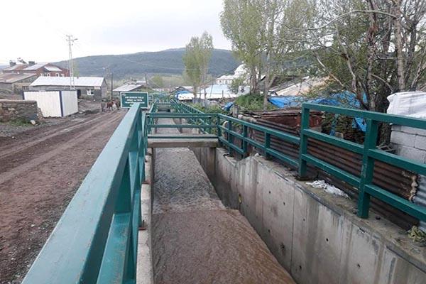 Sarıkamış merkez Zuzu deresi taşkın koruma tesisi can ve mal kaybını önledi