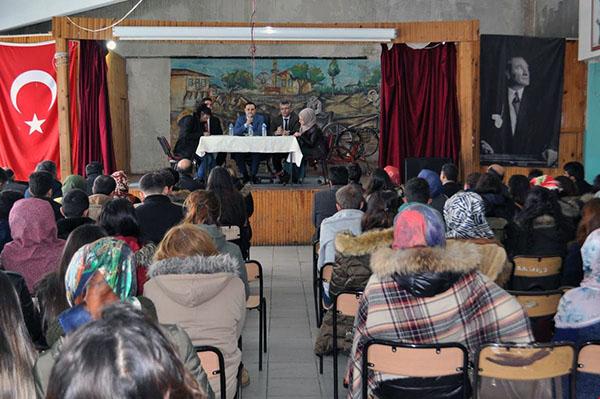 Kaymakam Abdil Koç, zümre toplantısında öğretmenlere hitap etti