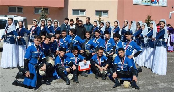 Kars Alpaslan Anadolu Lisesi bölge birincisi oldu