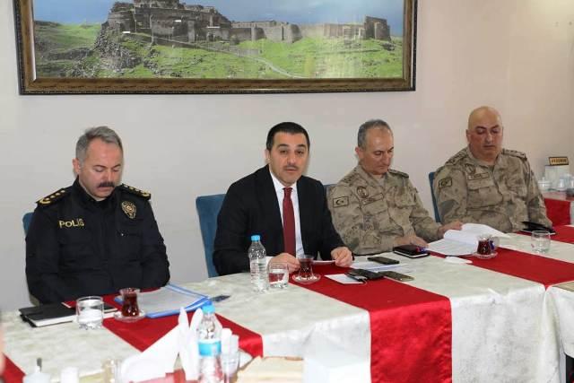 """Vali Öksüz: """"Kars'ta seçim güvenliğini 3 bin 622 personel sağlayacak"""""""