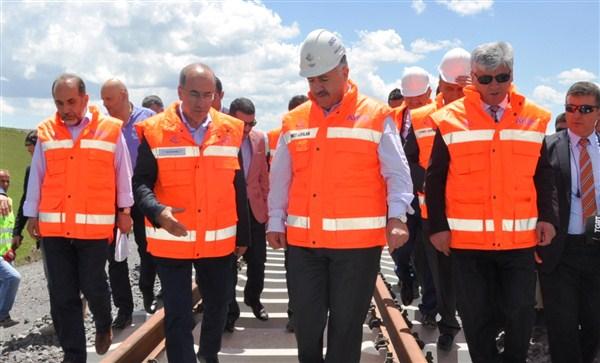 """""""Kars-Iğdır-Aralık-Dilucu Demiryolu Projesi başlıyor"""""""
