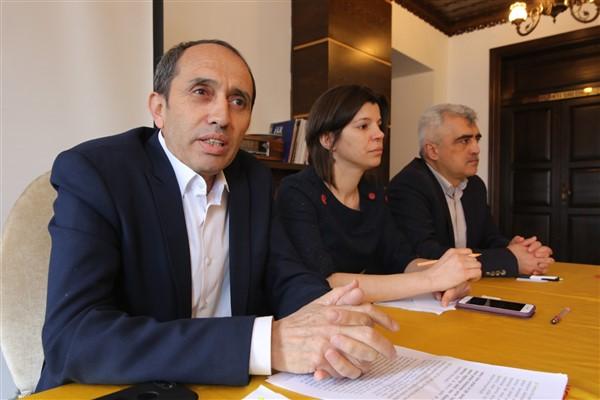 160 bin kamu çalışanı, OHAL ve KHK'lar kapsamında çaresiz bırakıldı