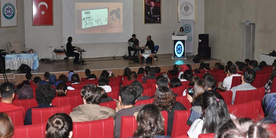 """KAÜ'de """"Yapay Zeka"""" konulu konferans ve müzik dinletisi"""