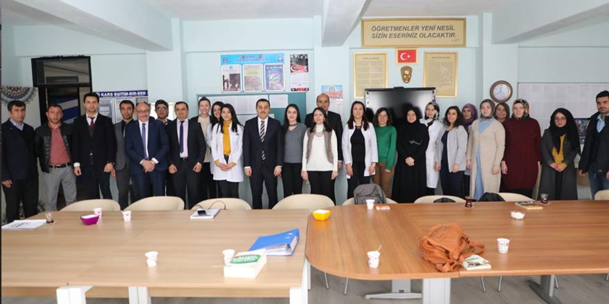 Kars Valisi Türker Öksüz, okulları inceledi