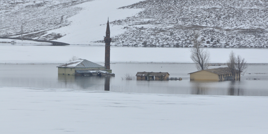Kars'ta cami sular altında kaldı