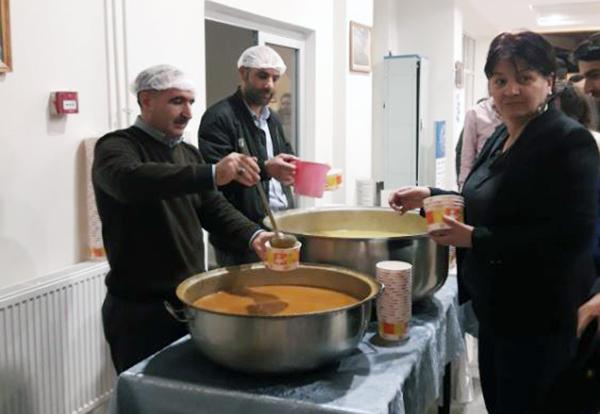 KAÜ Merkezi Kütüphanede öğrencilere sıcak çorba ikramı başladı