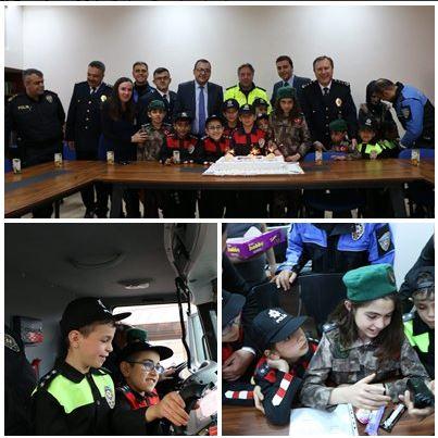 Rehabilitasyon öğrencileri polis haftasını kutladı