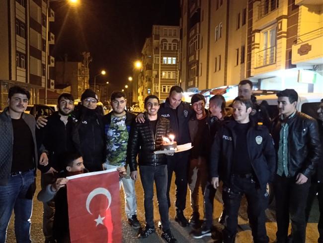 Kars'ta kavga ihbarına giden polislere 10 Nisan sürprizi!