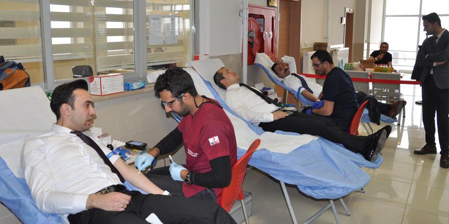 Kars Adliyesi kan bağışında