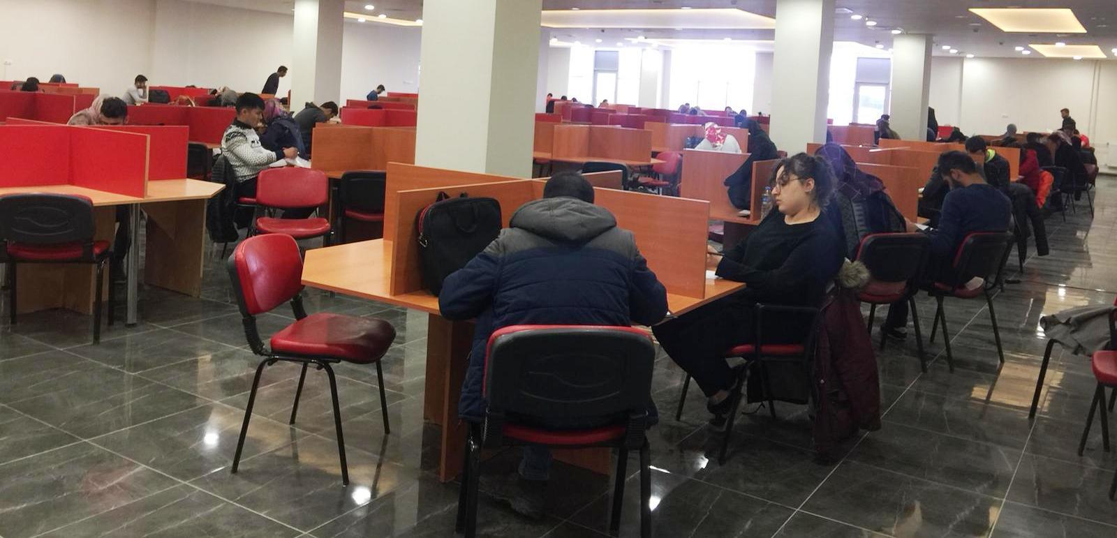 Kütüphaneler dolup taştı!
